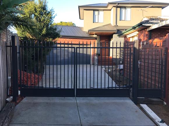 adonai-steel-gate-190